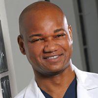 Dr. Sanui Umar is a top Los Angeles hair restoration doctor